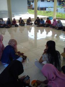 saat berdiskusi bersama saat gathering kesma